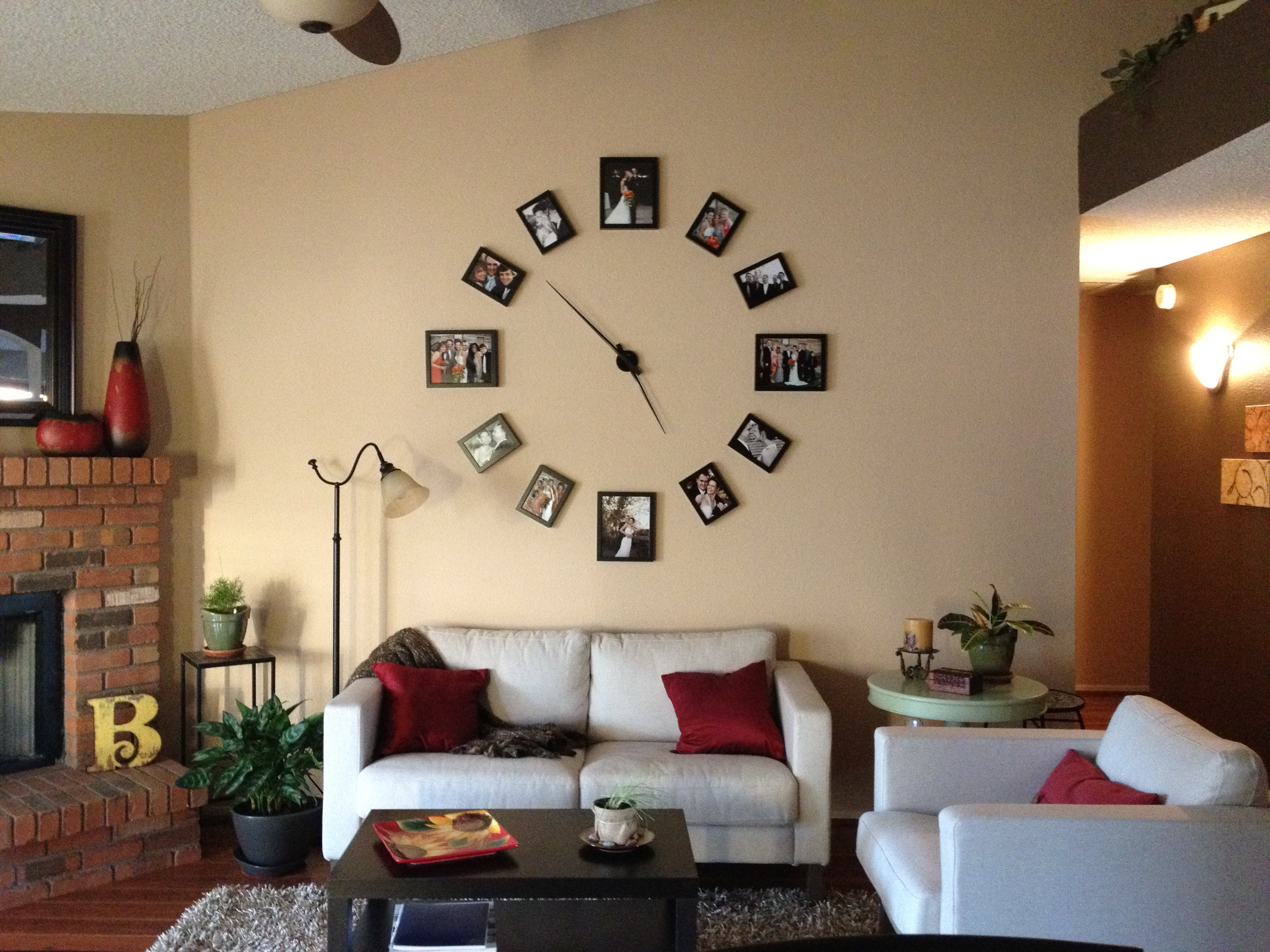 Cool Wall Clock Photo Display